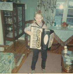 Paul_accordian_6